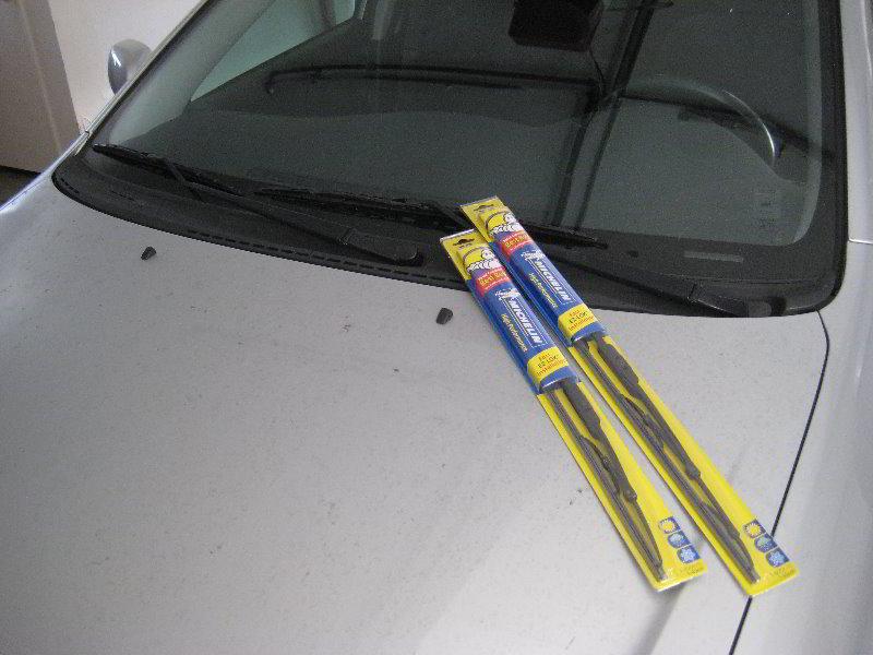2003 2008 toyota corolla windshield wiper blades replacement guide 001 rh paulstravelpictures com 2008 Corolla 2008 Corolla