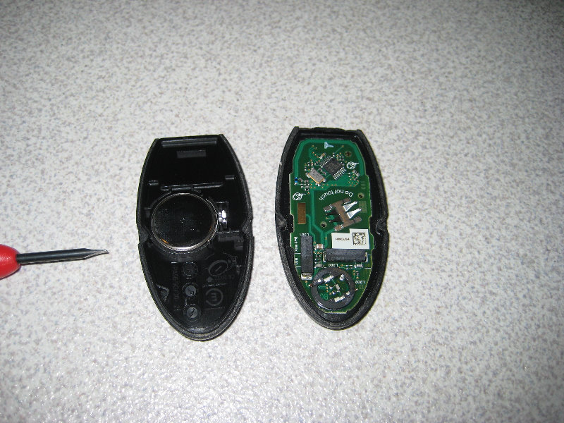 2012 Nissan Altima Smart Key Fob Battery Replacement Guide 007