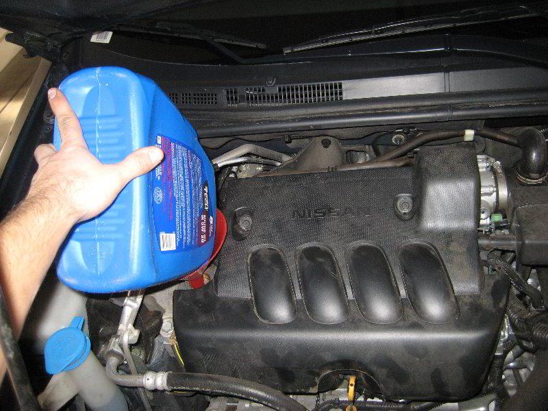 2007 2012 nissan sentra engine oil change guide 021 for Nissan versa motor oil