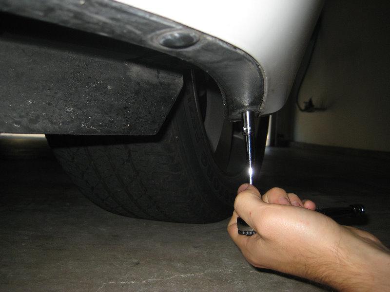 2008-2012-Chevy-Malibu-Headlight-Bulbs-Replacement-Guide-014
