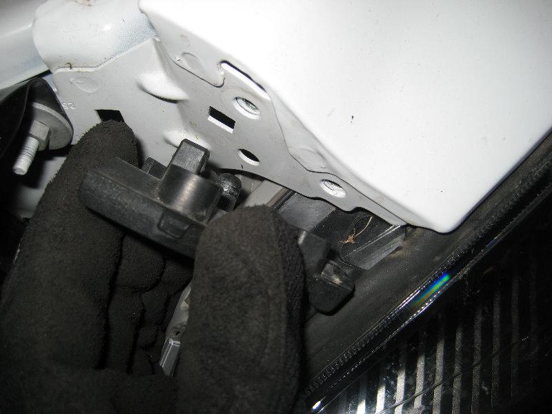 2008-2012-Chevy-Malibu-Headlight-Bulbs-Replacement-Guide-077