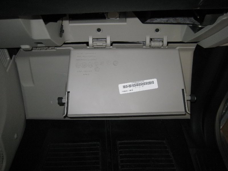 2011 toyota sienna fuse box with Cabin Air Filter For Dodge Grand Caravan on 11 Jy 2017 Audi A4 Allroad Quattro furthermore Shema Adapter likewise 4x8b1 Toyota Prius Radio 2005 Prius Does Not Work Fuse besides Wiring together with Ds4 Citroen Obd Location.