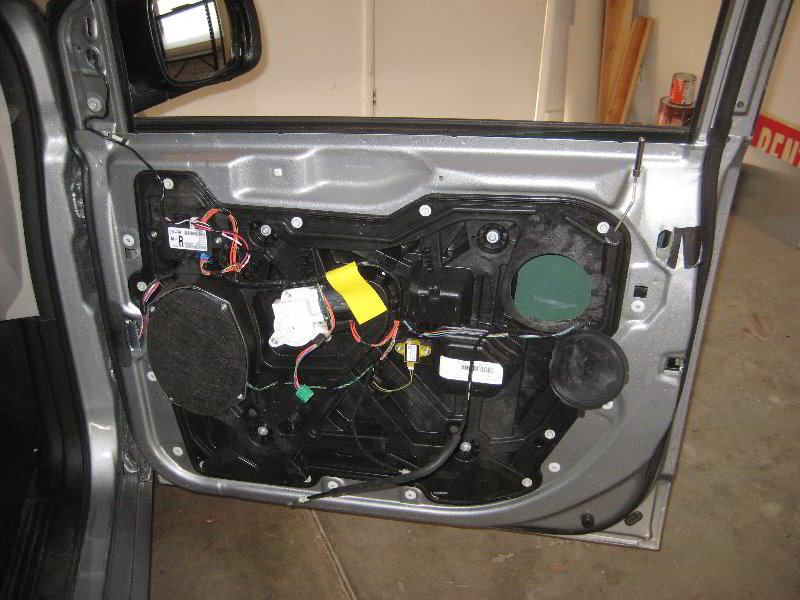 Dodge Journey 2015 Battery Location furthermore Chrysler 3 8l Engine Diagram also Dodge Grand Caravan Starter Location besides Toyota Highlander Oil Filter Location further Cherookee Undercarriage Part 211454. on 2005 dodge grand caravan fuse box location