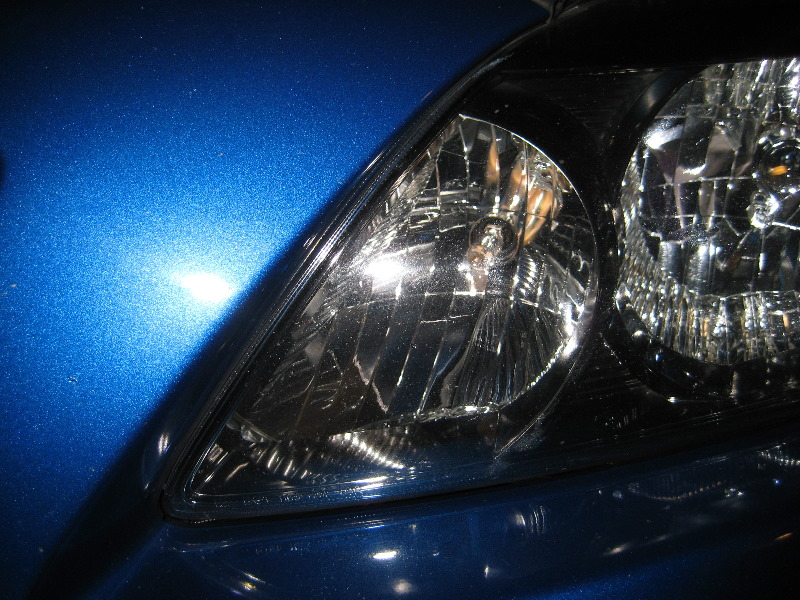 Headlight Replacement Guide : Toyota corolla headlight bulbs replacement guide to