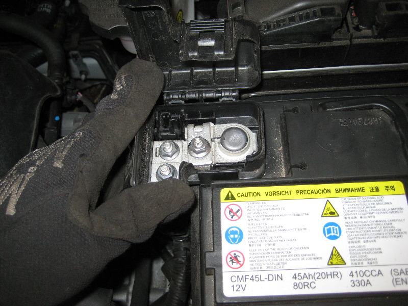 2011 2015 Hyundai Accent 12v Car Battery Replacement Guide 022