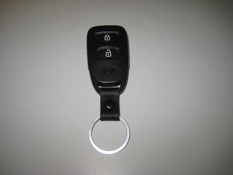 2011 2015 Hyundai Accent Key Fob Battery Replacement Guide 001