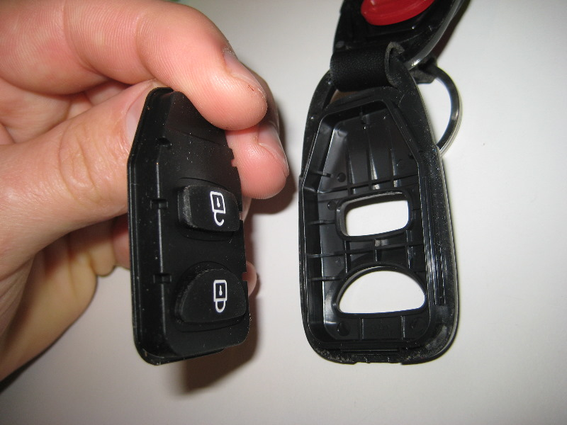 2011 2015 Hyundai Accent Key Fob Battery Replacement Guide 011