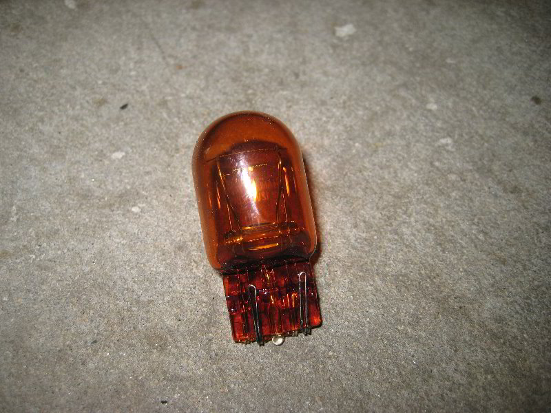 Honda Civic Headlight Bulbs Replacement Guide Picture