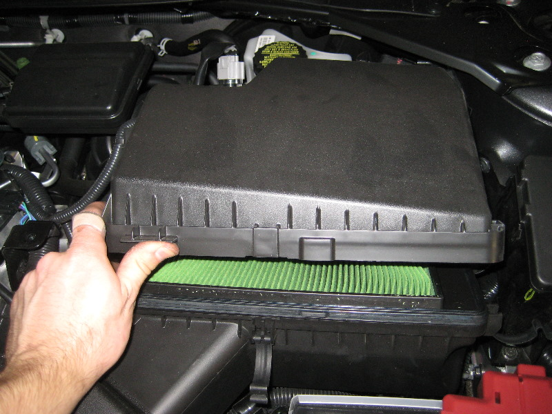 2013-2015-nissan-altima-qr25de-i4-engine-air-filter-replacement