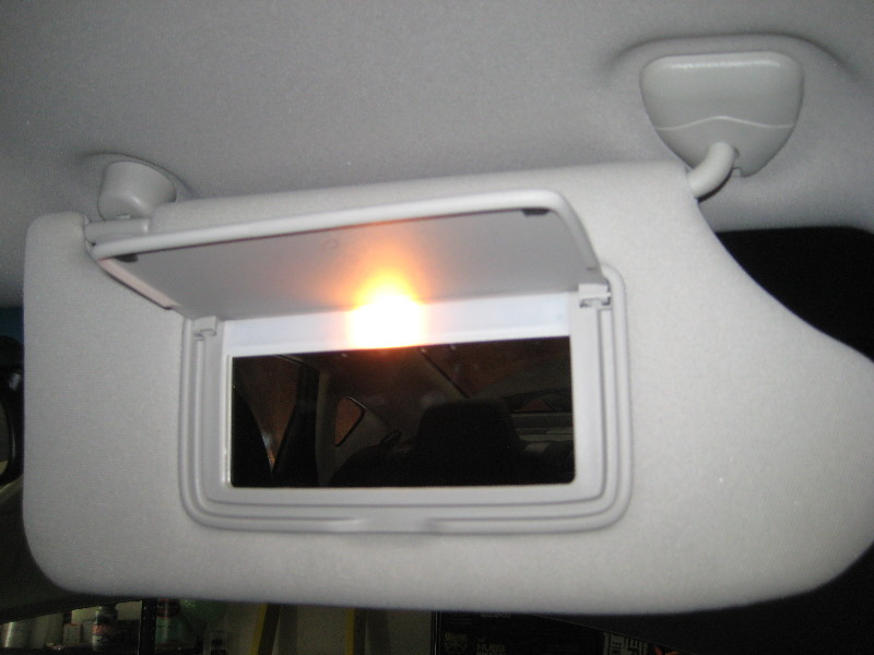 2013-2015-Nissan-Altima-Vanity-Mirror-Light-Bulb-Replacement-Guide-002