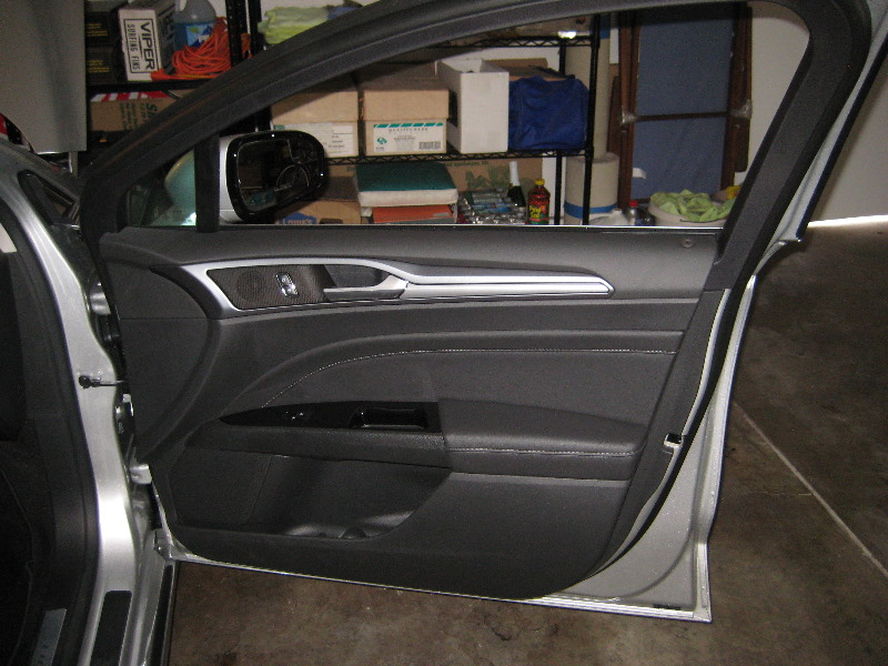 First drive 2016 chevrolet malibu autoblog for 05 f150 door panel removal