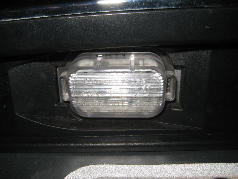 how to change lights on mazda 6 2003