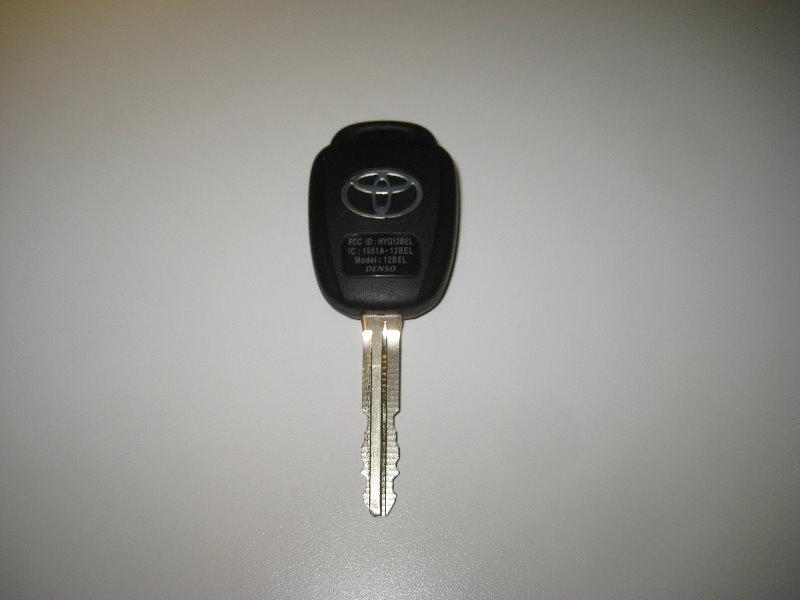 2018 toyota key. plain key 20142018toyotacorollakeyfobbatteryreplacementguide002 in 2018 toyota key