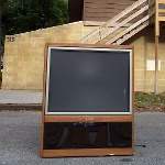 45 Inch Mitsubishi Big Screen Rear Projection TV Destruction Pictures