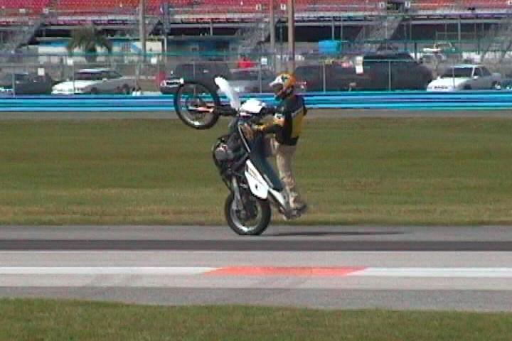 Biketoberfest-Stunt-Show-Daytona-Beach-FL-008