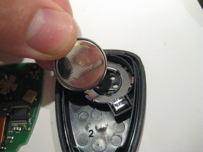 Chrysler 200 Key Fob Battery Replacement Guide 011