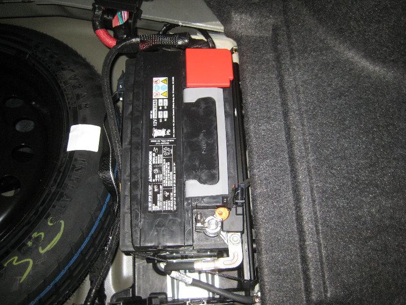 Chrysler 300 S >> Chrysler-300-Sedan-12V-Automotive-Battery-Replacement-Guide-042