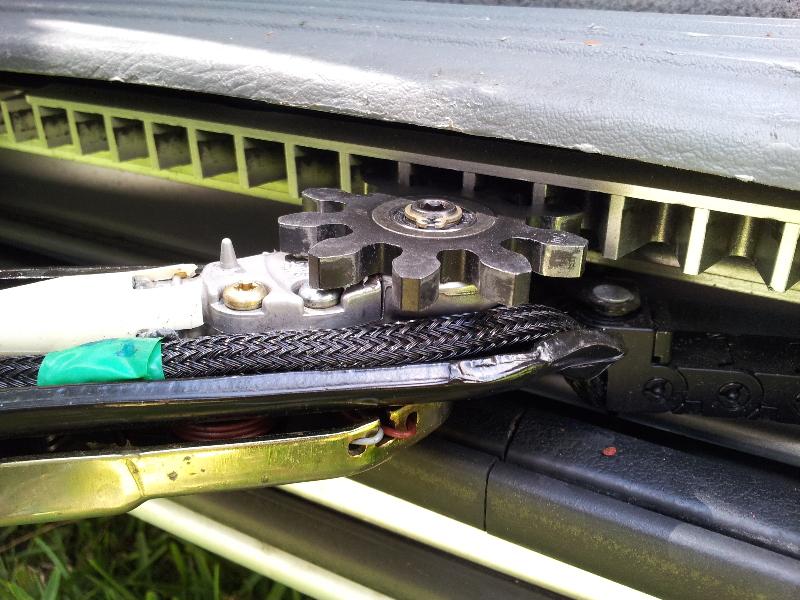 Dodge-Grand-Caravan-Jammed-Automatic-Sliding-Side-Door-Repair-Guide-007