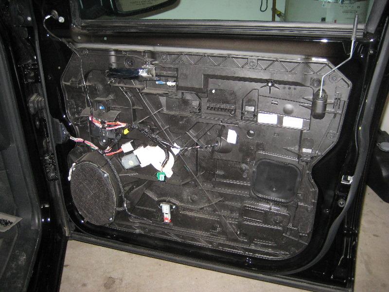 Dodge Ram 1500 Interior Front Door Panel Removal Guide 024