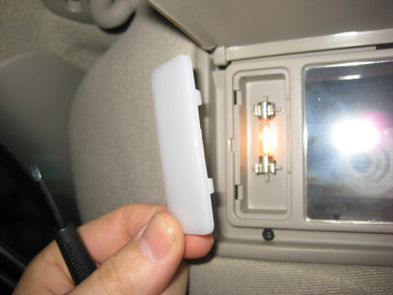 Ford-Crown-Victoria-Vanity-Mirror-Light-Bulbs-Replacement ...