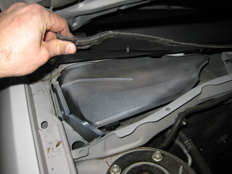 Replacing cabin air filter 2009 ford escape for 2006 ford f150 cabin air filter location
