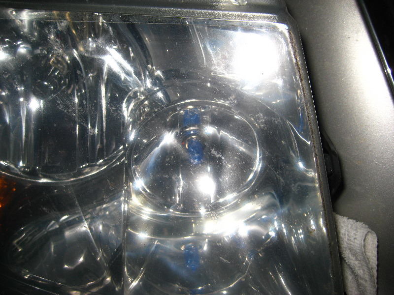 Ford Expedition Headlight Bulbs Replacement Guide 019