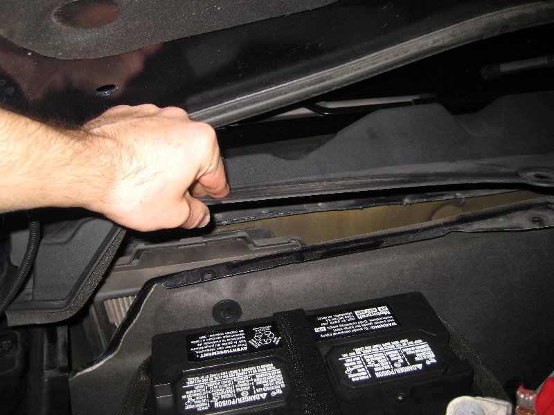 Ford Mustang Cabin Air Filter Replacement Guide 008