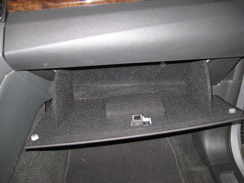 replace cabin air filter 2002 ford taurus. Black Bedroom Furniture Sets. Home Design Ideas