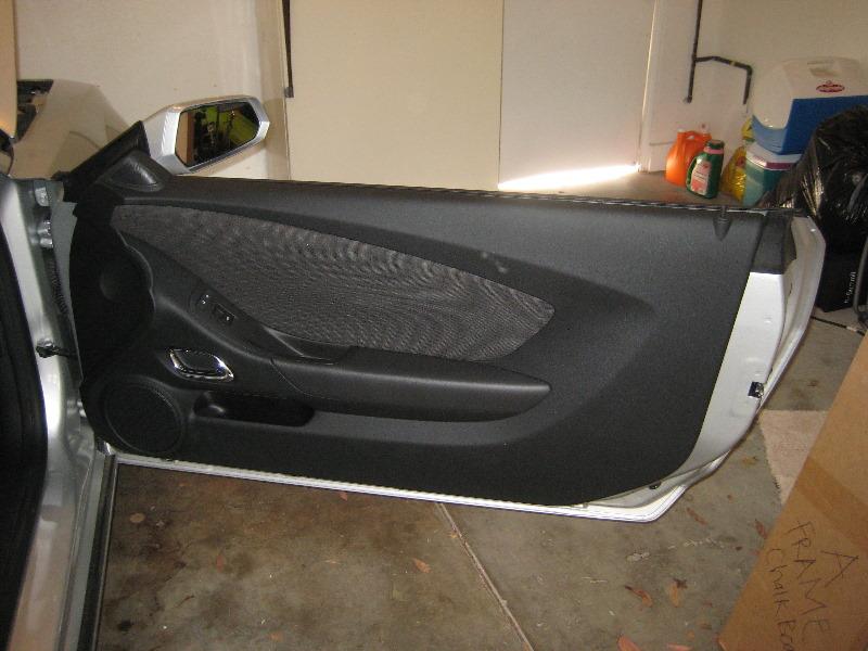 Gm Chevrolet Camaro Interior Door Panel Removal Guide 001