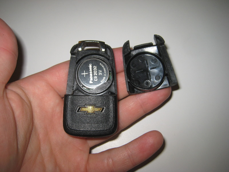 Gm Chevrolet Camaro Key Fob Battery Replacement Guide 005