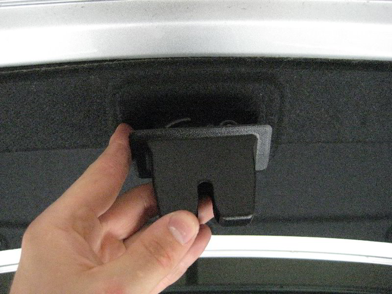 how to change fog light bulb on chevy cruze