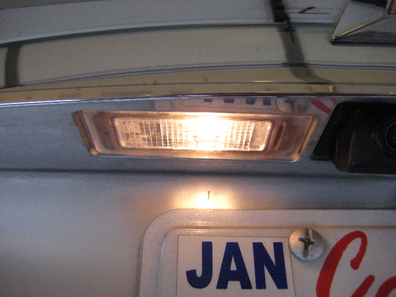 GM-Chevrolet-Equinox-License-Plate-Light-Bulbs-Replacement ...