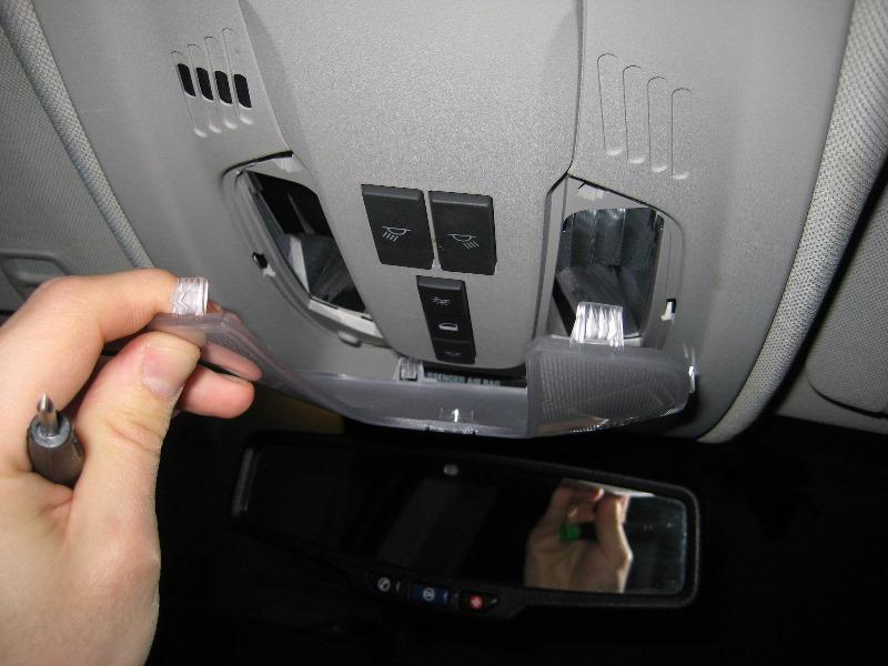 GM-Chevrolet-Equinox-Map-Light-Bulbs-Replacement-Guide-003