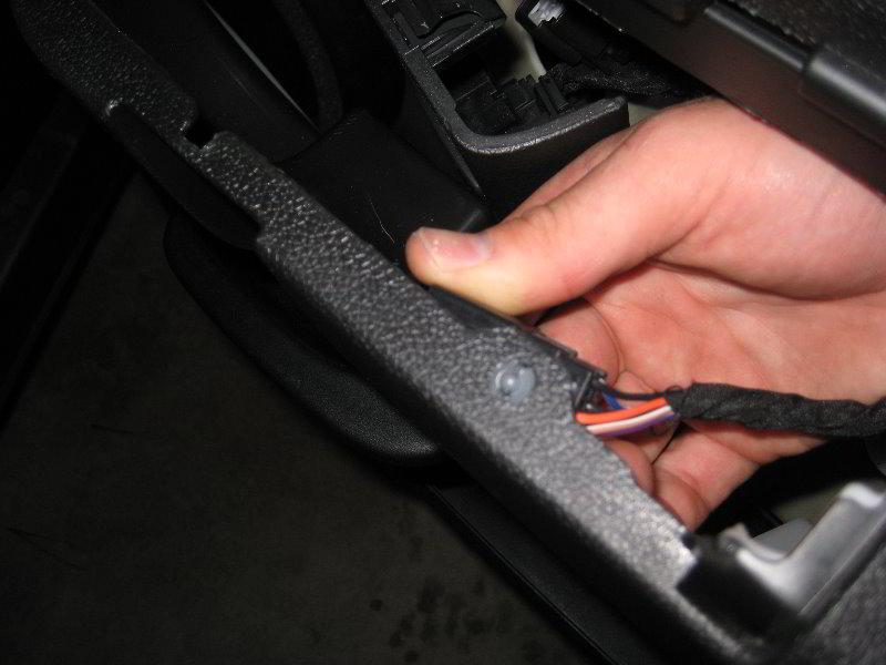 Chevrolet-Silverado-Interior-Door-Panel-Removal-Guide-035