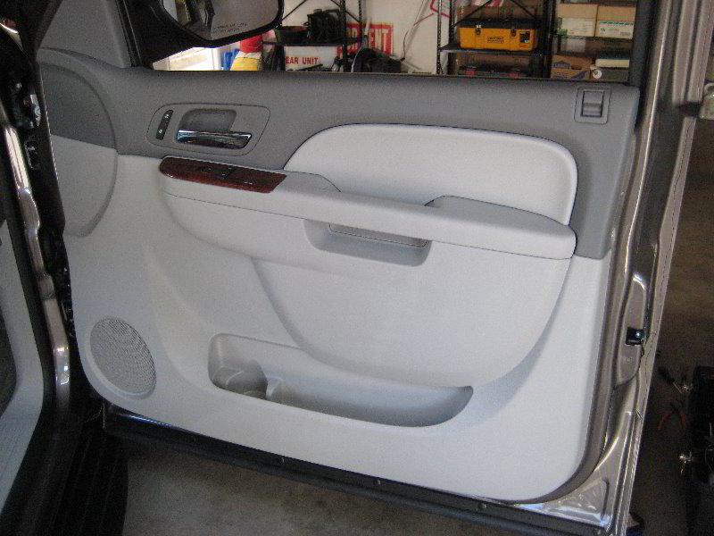 Gm Chevrolet Tahoe Interior Door Panel Removal Guide 060