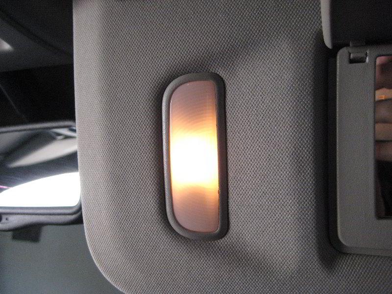 GM-Chevrolet-Tahoe-Vanity-Mirror-Light-Bulbs-Replacement-Guide-015