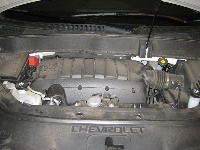 Gm chevrolet traverse llt v6 engine oil change guide 001 for When to change motor oil