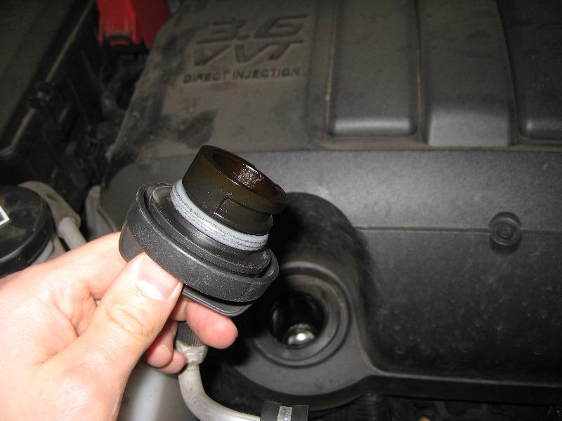 Gm Chevrolet Traverse Llt V6 Engine Oil Change Guide 003