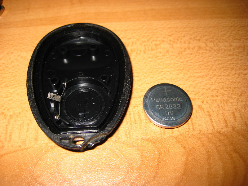 GM Keyless Entry Fob Battery Replacement Guide 008