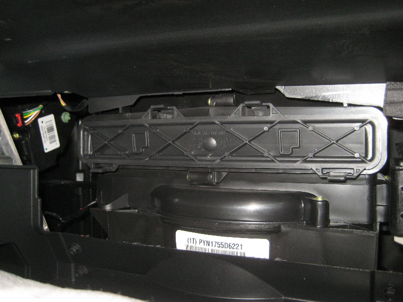0pzye Torque Specs Head Bolts Cam Shaft further File 2006 LL8  Vortec 4200  engine in 2006 Chevrolet Trailblazer also 2016 Chevrolet Equinox as well Ford 2 3 4 Cylinder Engine Exhaust System also 2005 Chrysler Pacifica V6 3 8l Serpentine Belt Diagram. on chevy equinox firing order
