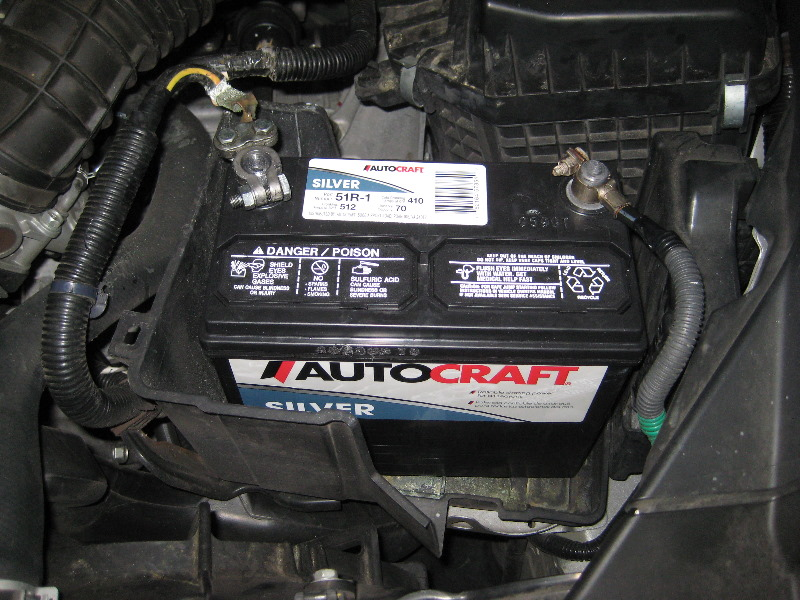 Honda-Accord-12V-Automotive-Battery-Replacement-Guide-016