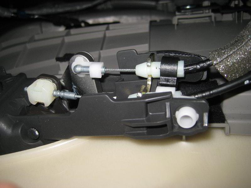 Honda-Accord-Interior-Door-Panel-Removal-Guide-021