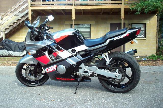Honda-CBR-600-F2-004