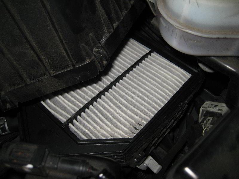 honda cr v engine air filter replacement guide 015. Black Bedroom Furniture Sets. Home Design Ideas