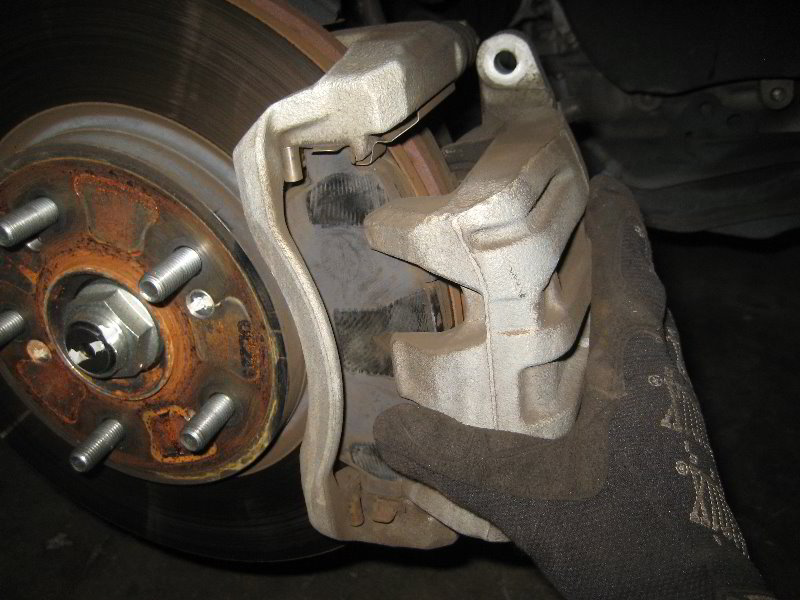 honda cr v front brake pads replacement guide 027