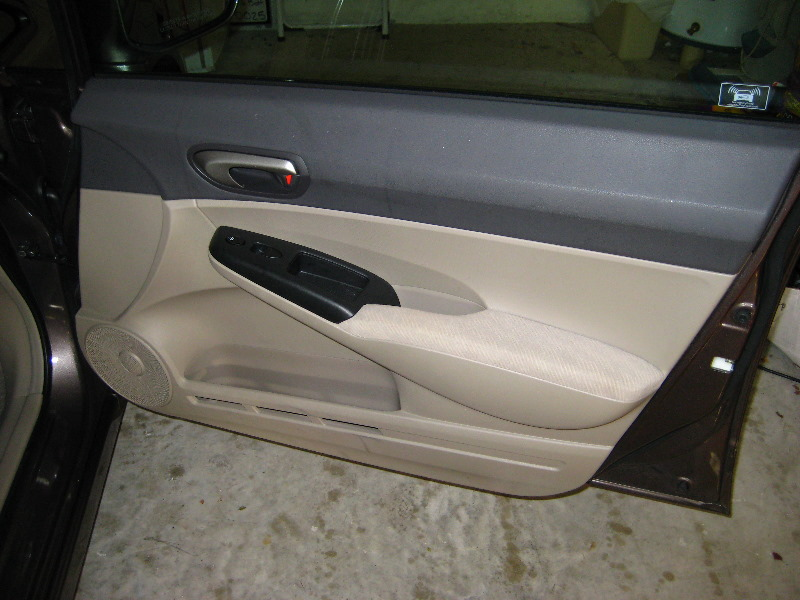 & Honda-Civic-Front-Door-Speaker-Replacement-Guide-001