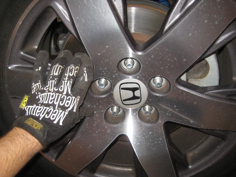 how to change honda 2009 crv front brake pads