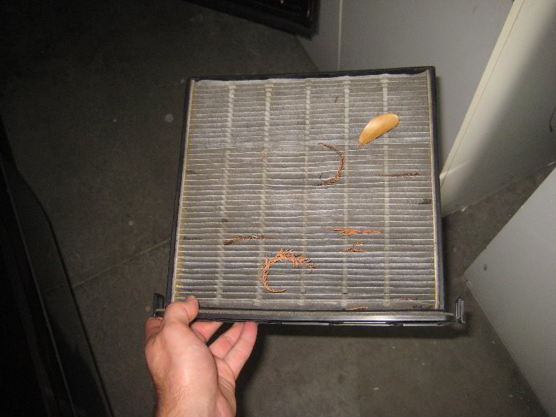 Honda Pilot HVAC Cabin Air Filter Replacement Guide 010