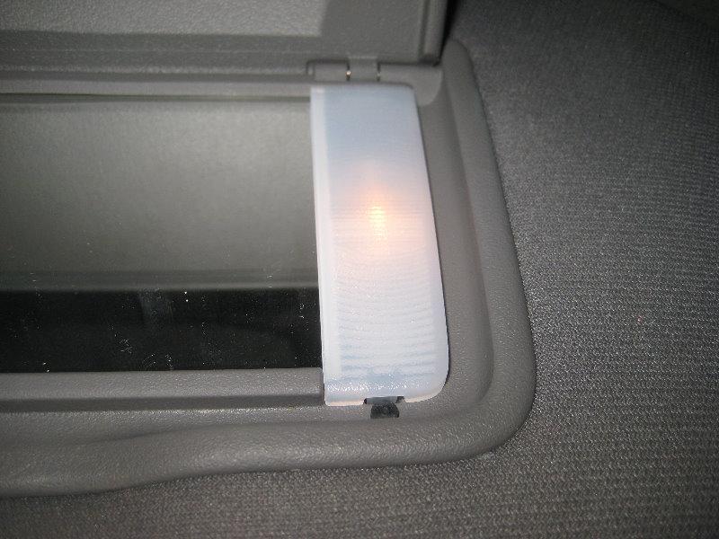 Vanity Light Replacement : 2009-2015-Honda-Pilot-Vanity-Mirror-Light-Bulbs-Replacement-Guide-003