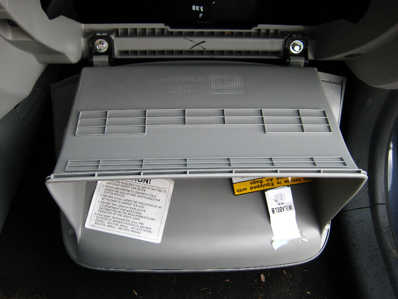 Hyundai Accent Cabin Air Filter Replacement Guide 010